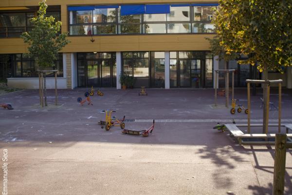 La cour d'école